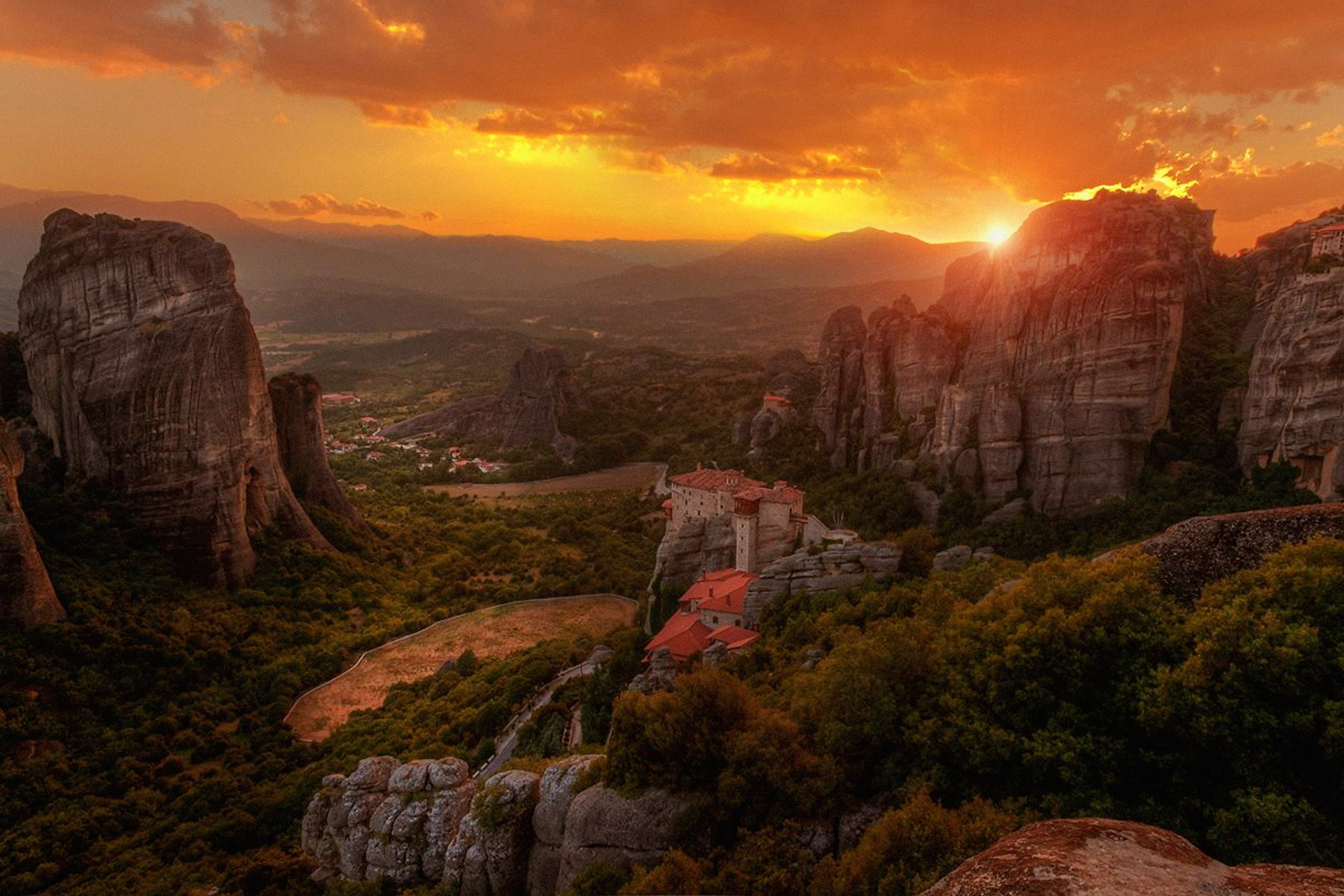 00 Aleksansdr Atoyan. Sunset in Meteora. 2015