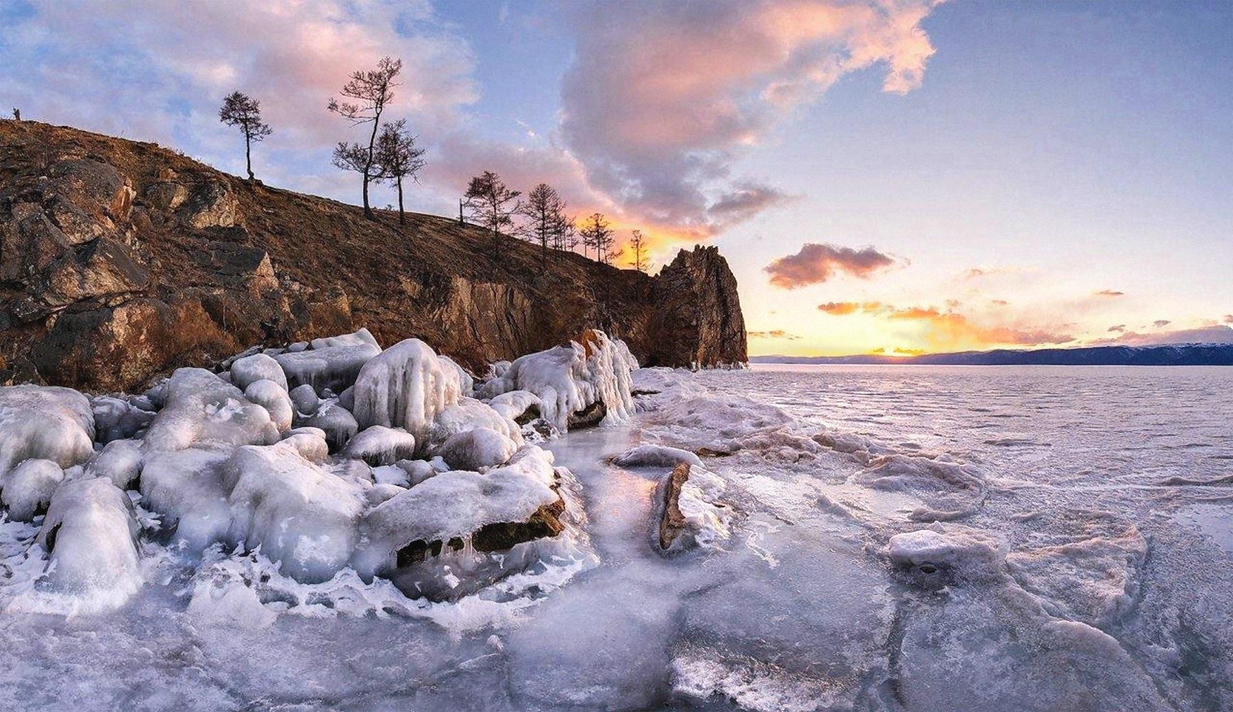 00 Anton Rostovsky. Sunset near Olkhon Island. Lake Baikal, Russia. 2015