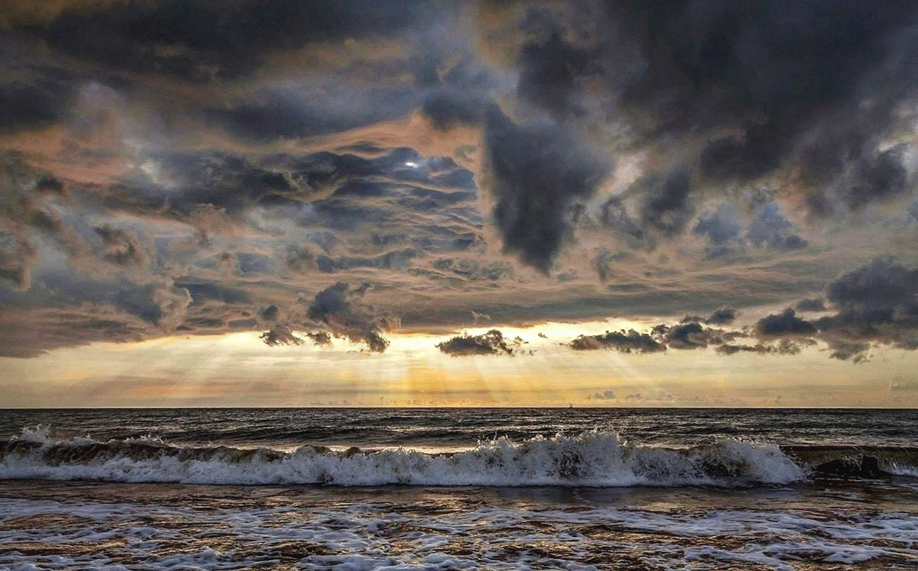 00 Nikolai Pogodin. Contact (Baltic Sea). 2015