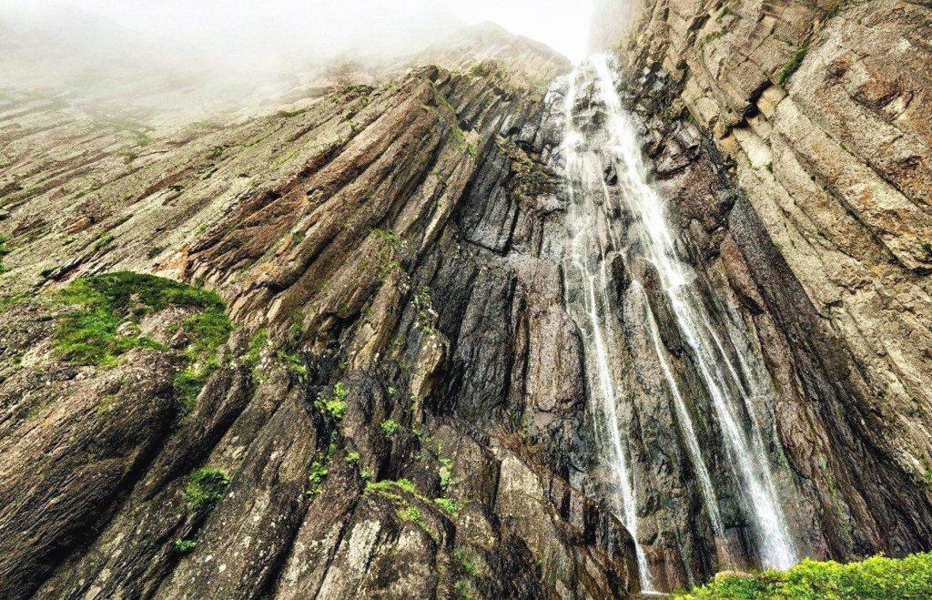 00 Svetlana Ivanova. Abai-Su Waterfall. Chegem River, Kabardino-Balkaria. 2015