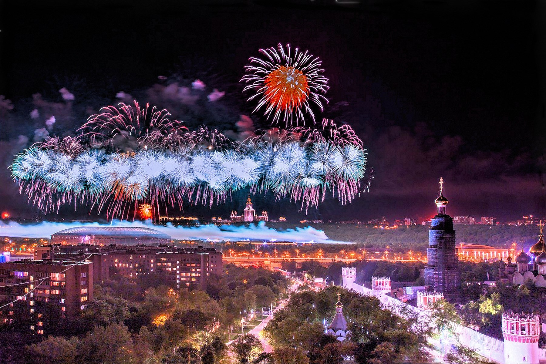 00 Konstantin Lamin. Fireworks in Honour of Victory Day in Moscow. 2016