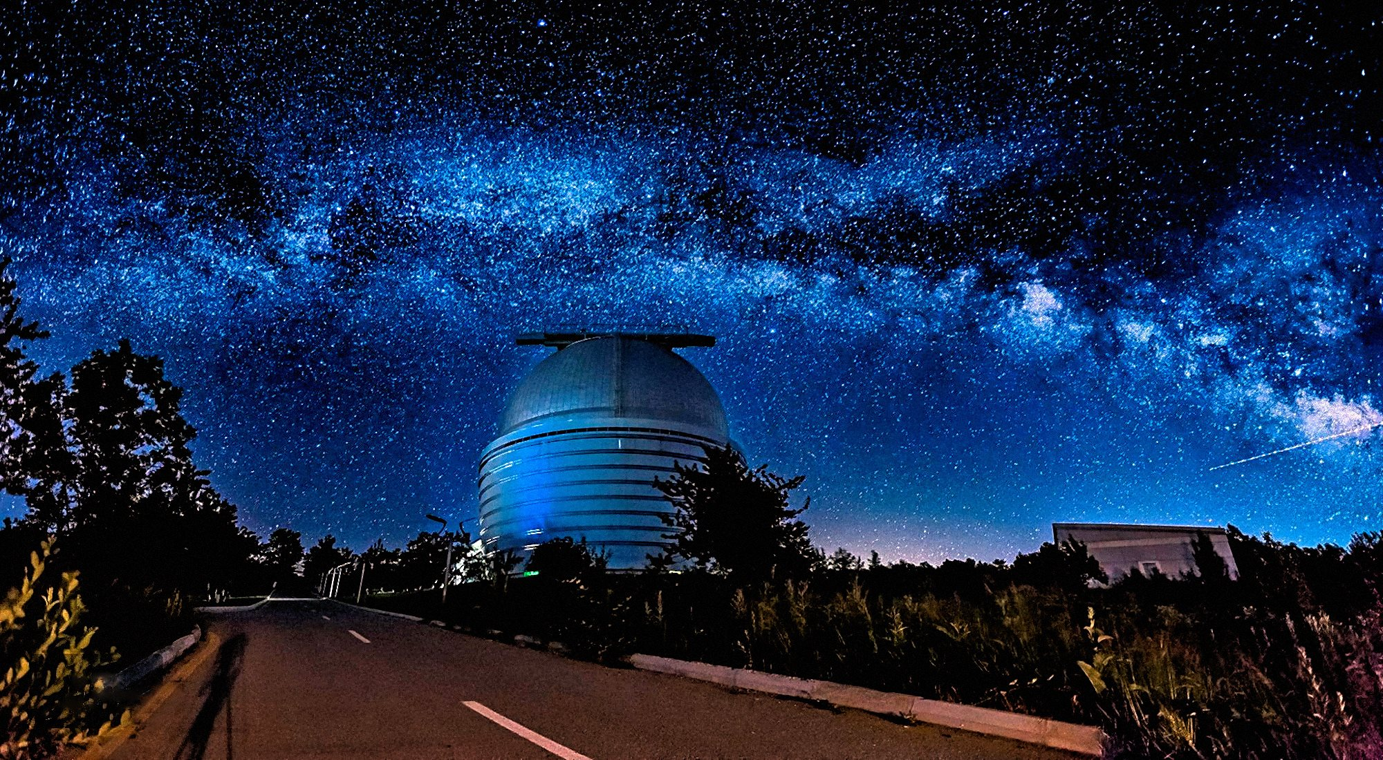 00 Faik Nagiyev. The Milky Way Over Nasreddin Tusi Shamakhi Astrophysical Observatory (ShAO) in Azerbaijan. 2016